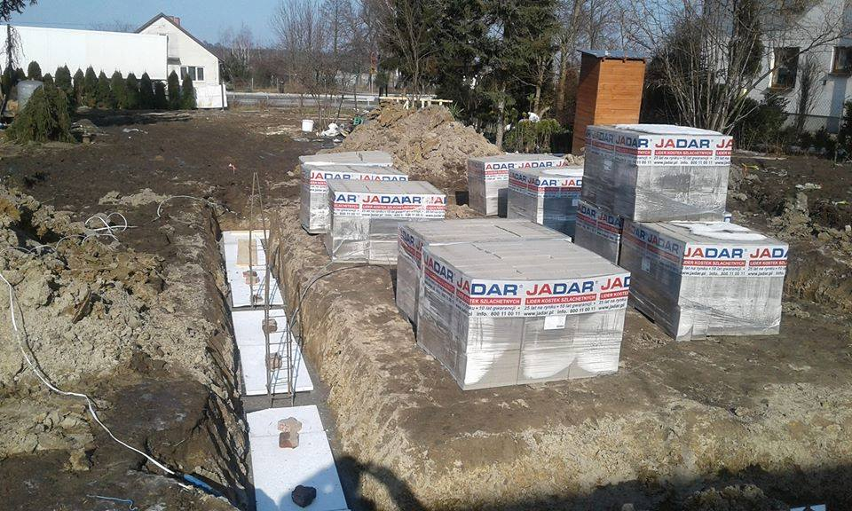 Rozpoczęła się budowa domu dla pogorzelców z Wronowa