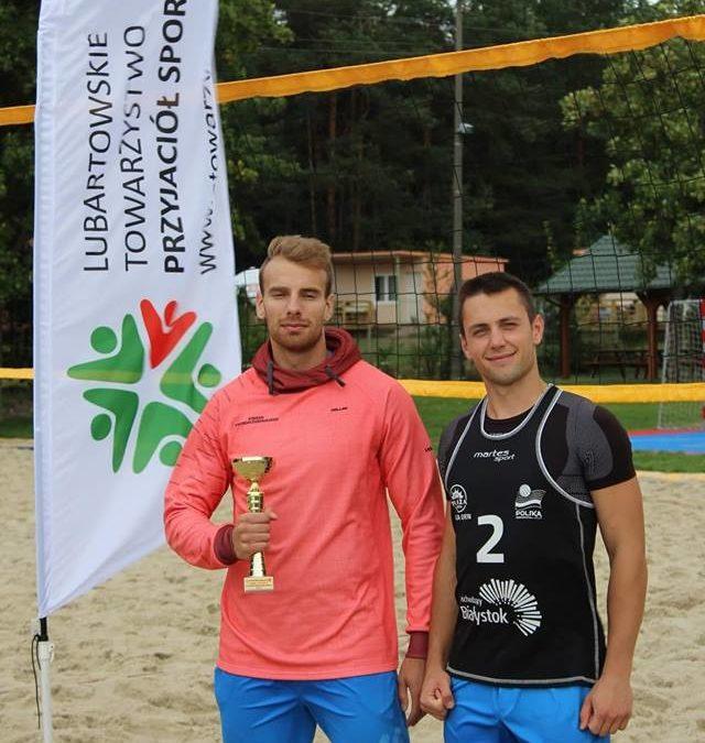 Zawodnicy SKS Leokadiow wygrali II Turniej Plażowej Piłki Siatkowej o Puchar Wójta Gminy Firlej