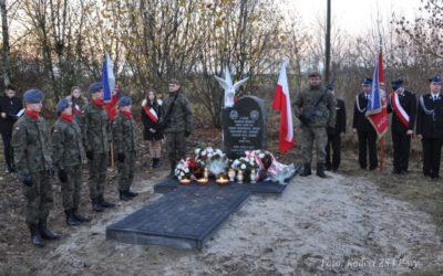 Odsłonięcie Pomnika Żołnierzy WiN w Niezabitowie.